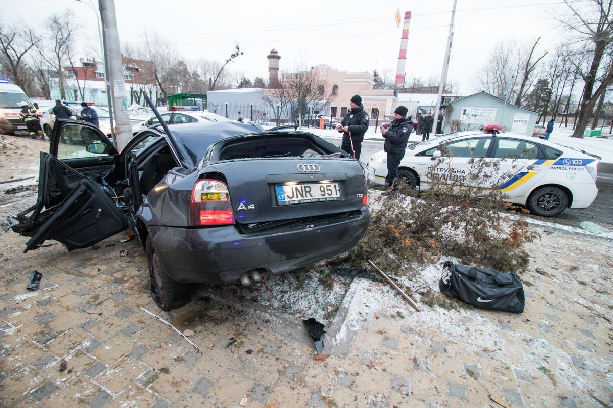 23 февраля в Киеве по адресу улица Алма Атинская, 105/2 произошло ДТП с пострадавшими