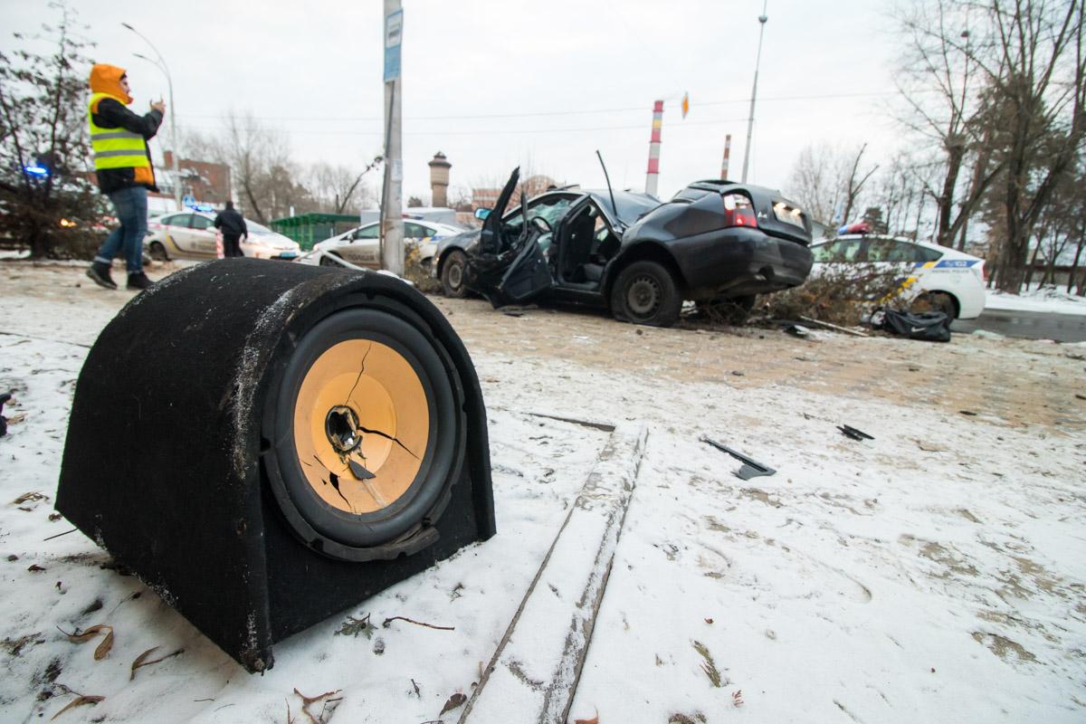 Еще один водитель и пассажир скрылись с места ДТП