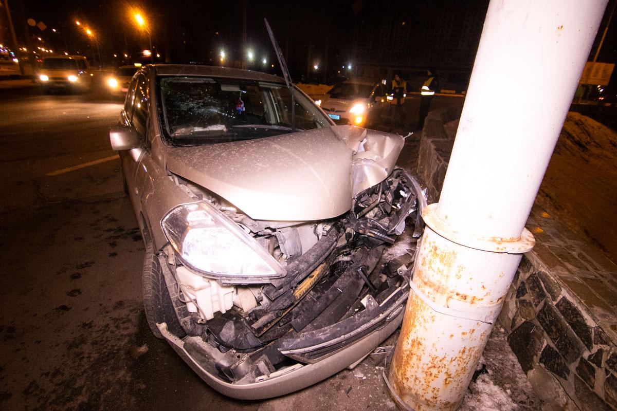 9 февраля в Киеве на перекрестке улицы Марины Цветаевой и проспекта Владимира Маяковского произошло ДТП