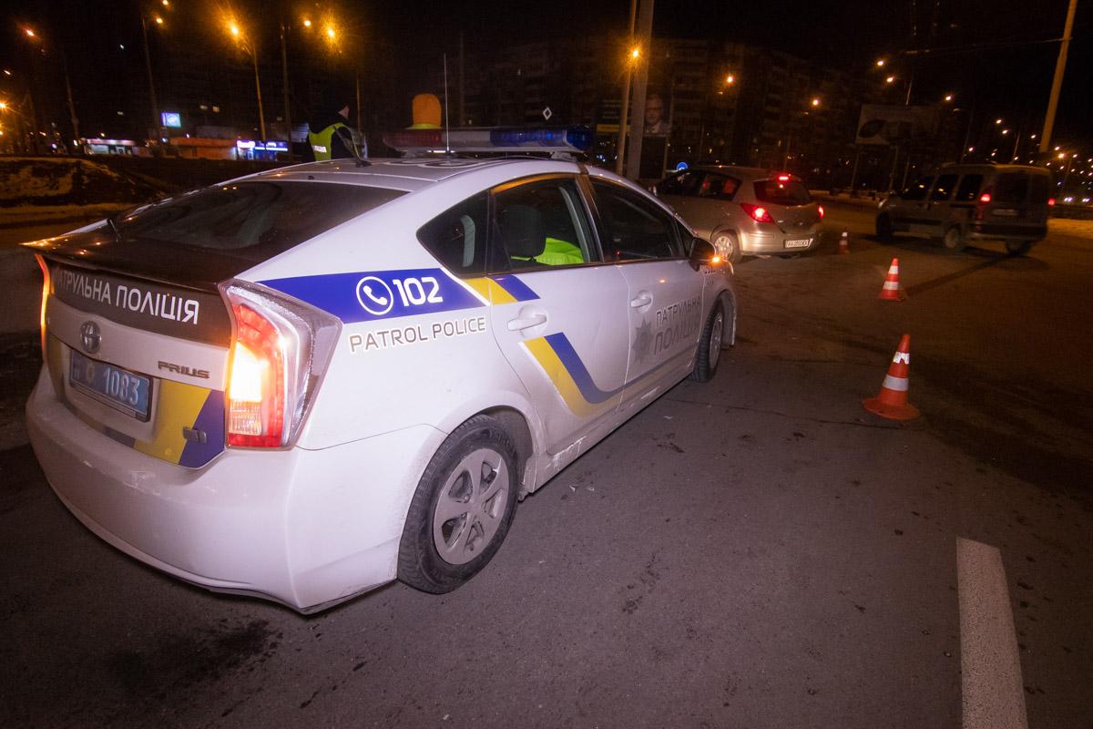 На месте ДТП работала патрульная полиция, медики и следственно-оперативная группа