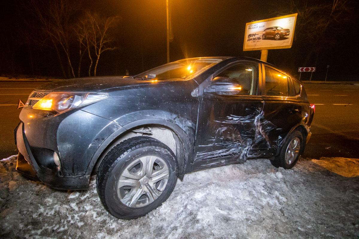 По словам очевидцев, Toyota совершала разворот с правого ряда