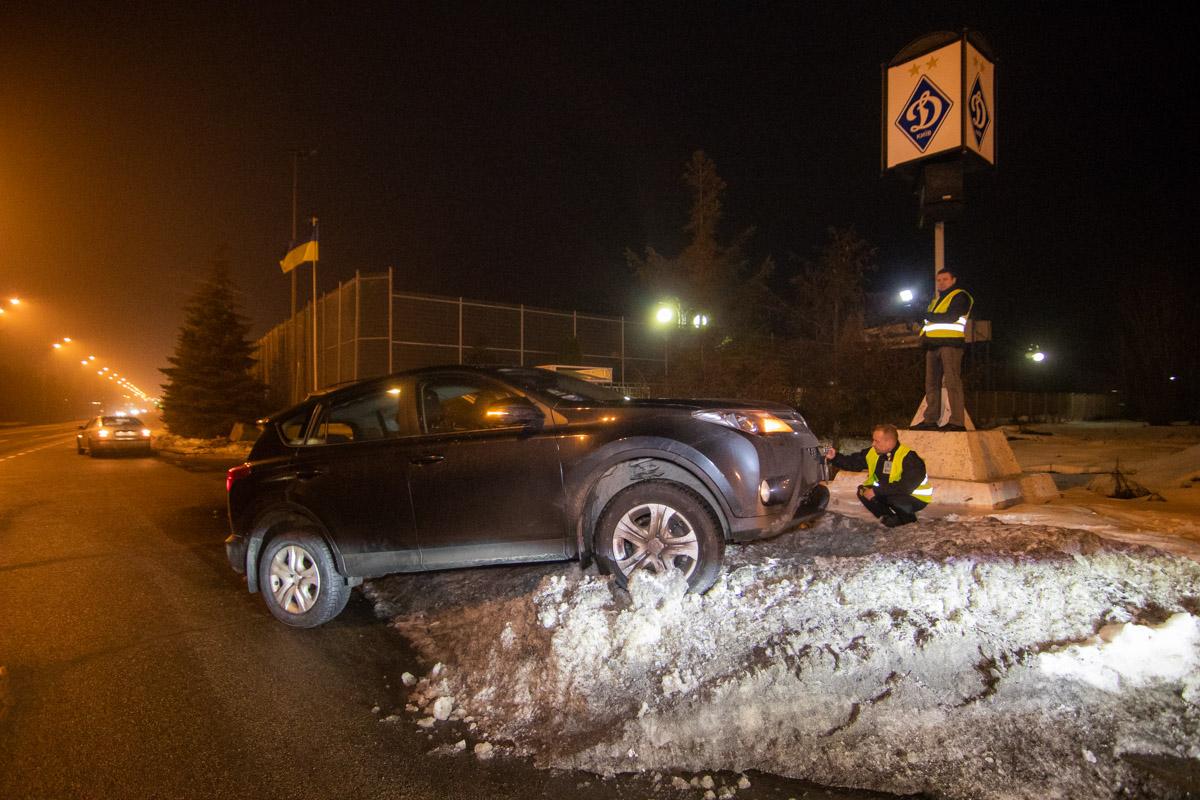 На Столичном шоссе столкнулись два внедорожника
