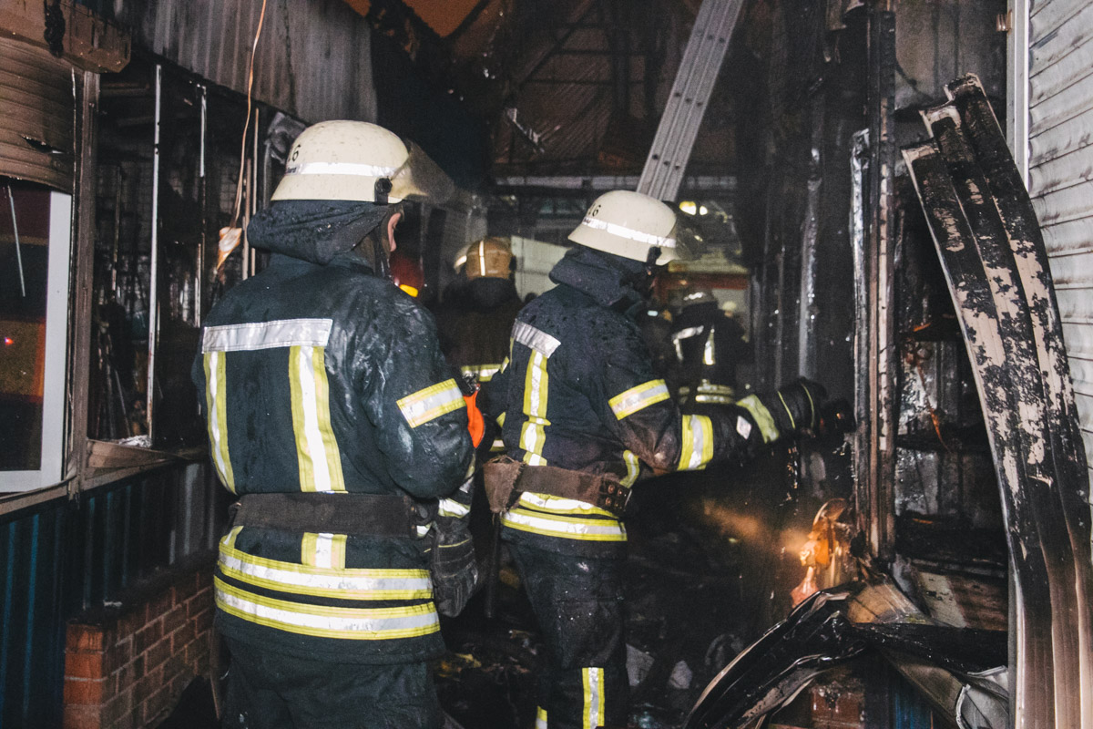 На месте работали 5 единиц техники спасателей ГСЧС.