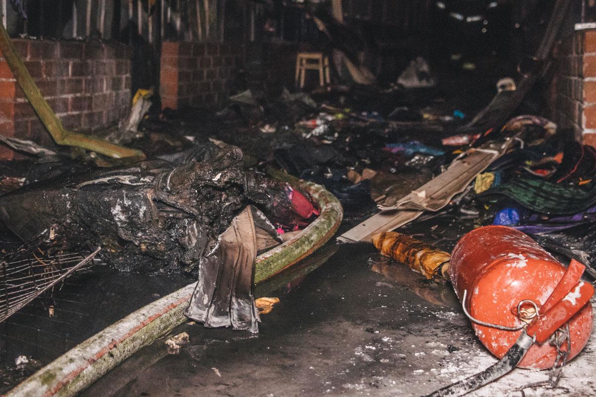 В 21:23 спасатели полностью ликвидировали возгорание