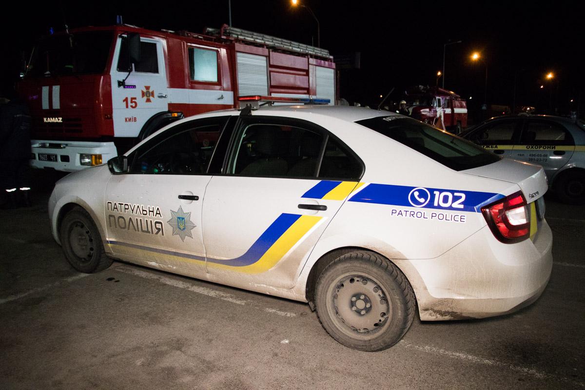 """На месте работали несколько пожарных машин, патрульная полиция и """"скорая"""""""