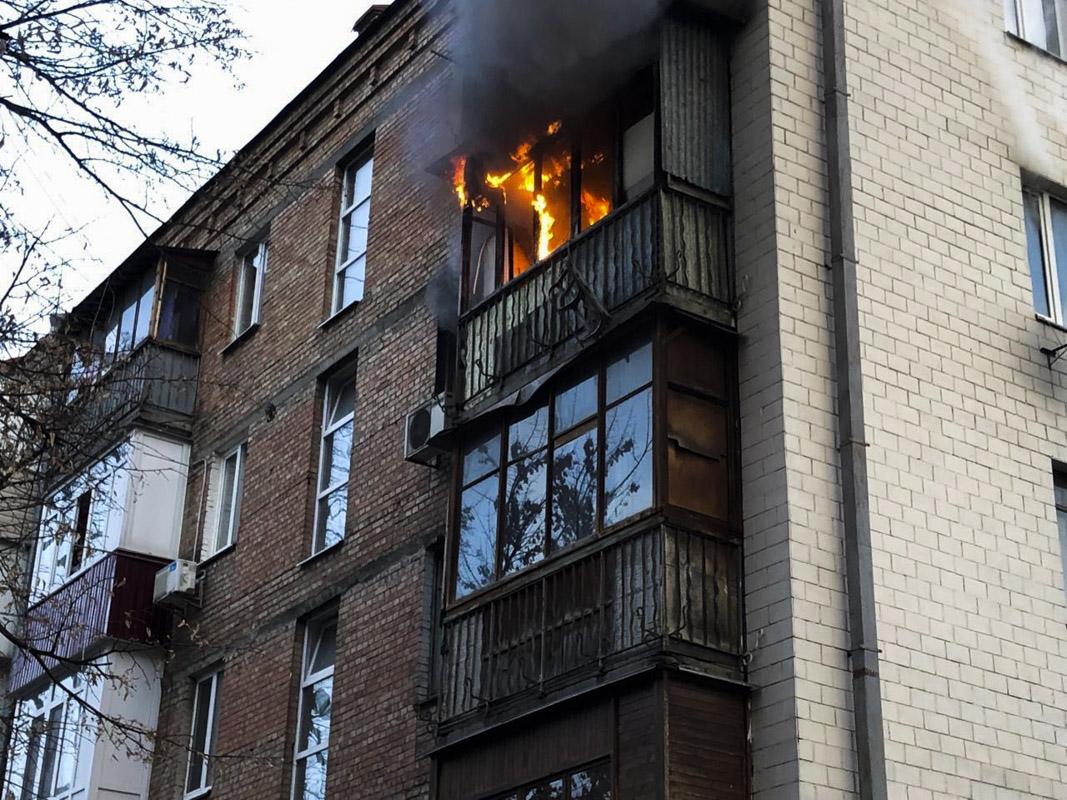 К моменту прибытия спасателей, помещение выгорело дотла