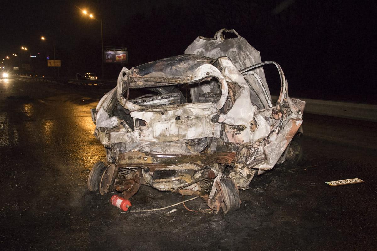 BMW протаранил Lanos, который после удара загорелся