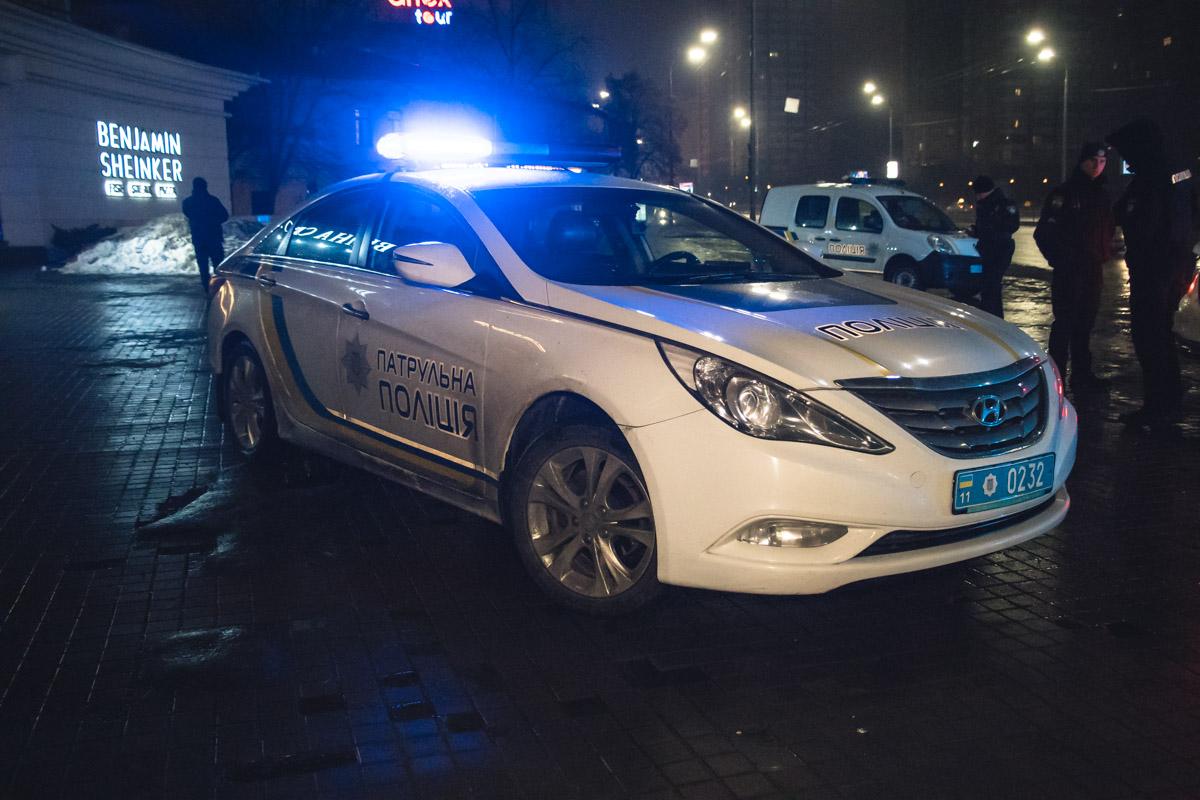 В ночь на 12 февраля в Киеве на бульваре Леси Украинки возле ресторана Benjamin's Sheinker началась стрельба
