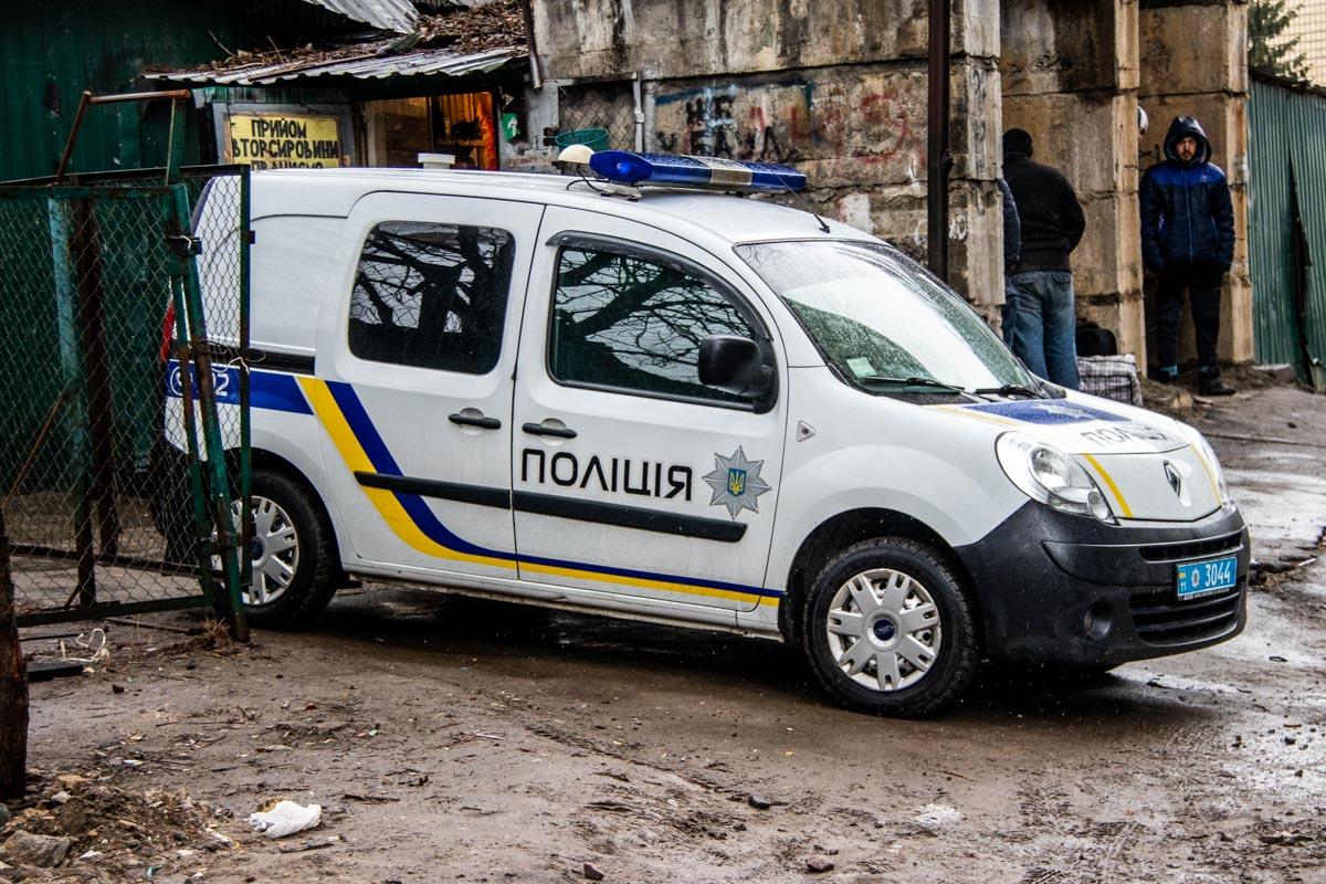 На месте работали правоохранители, спасатели КАРС и медики. Детали инцидента выясняются