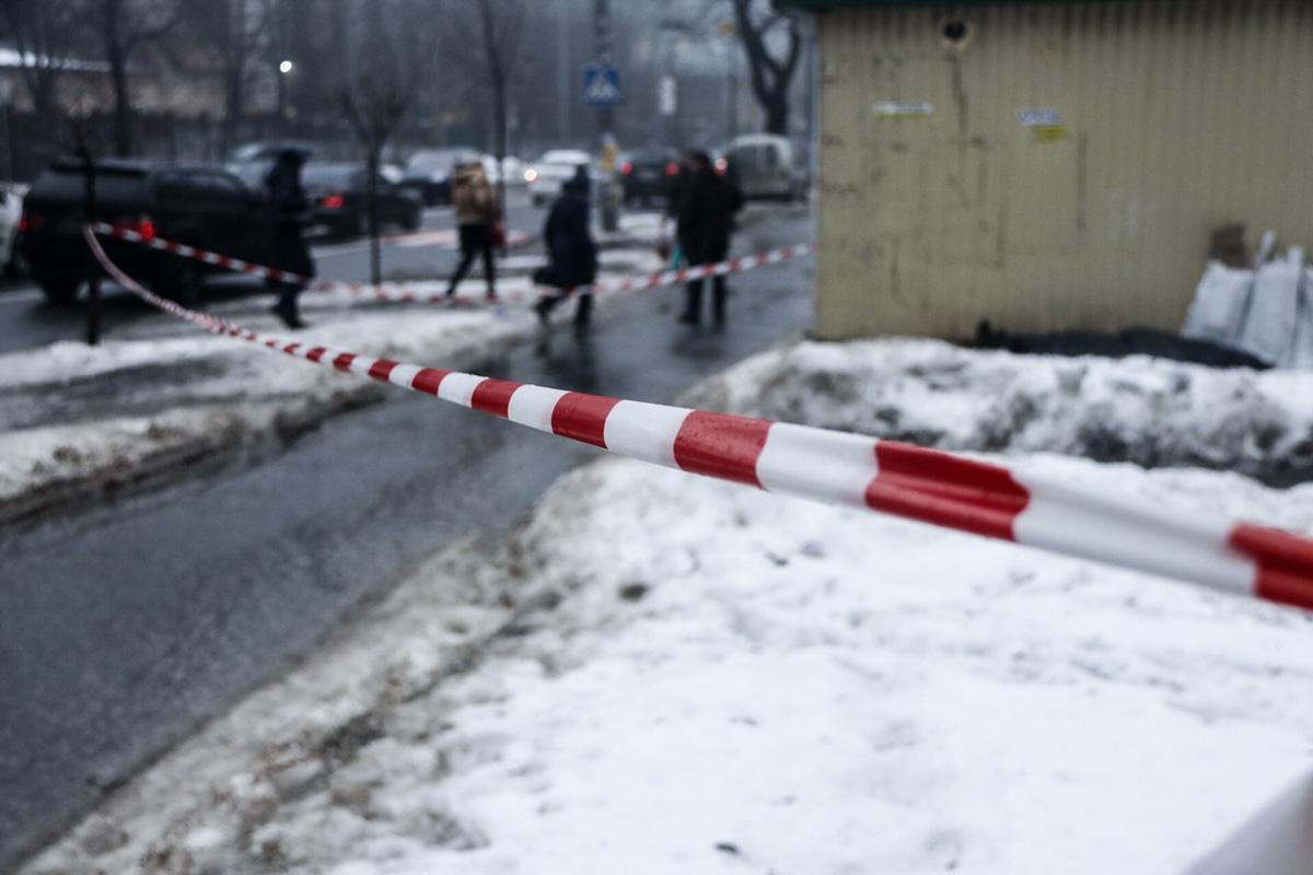 1 февраля в Киеве вблизи дома по адресу улица Юрия Ильенко, 7 обнаружили труп мужчины