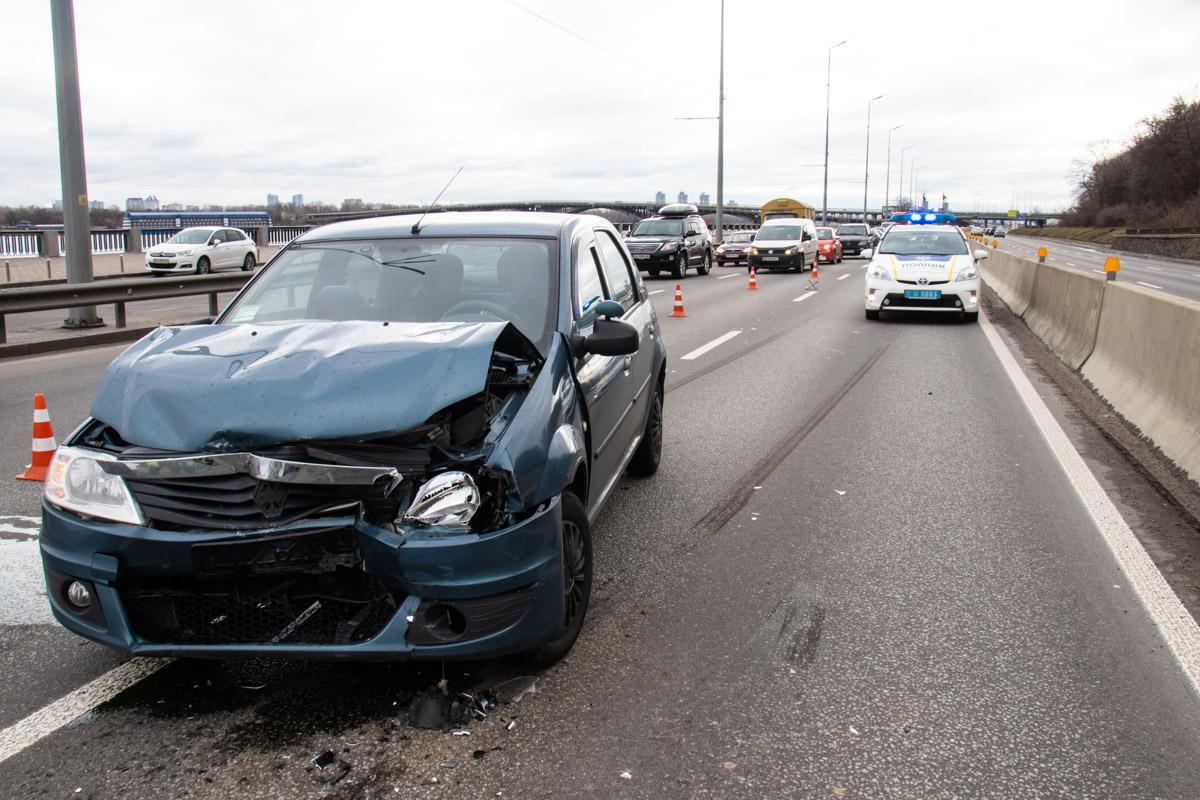 Столкнулись Renault Logan