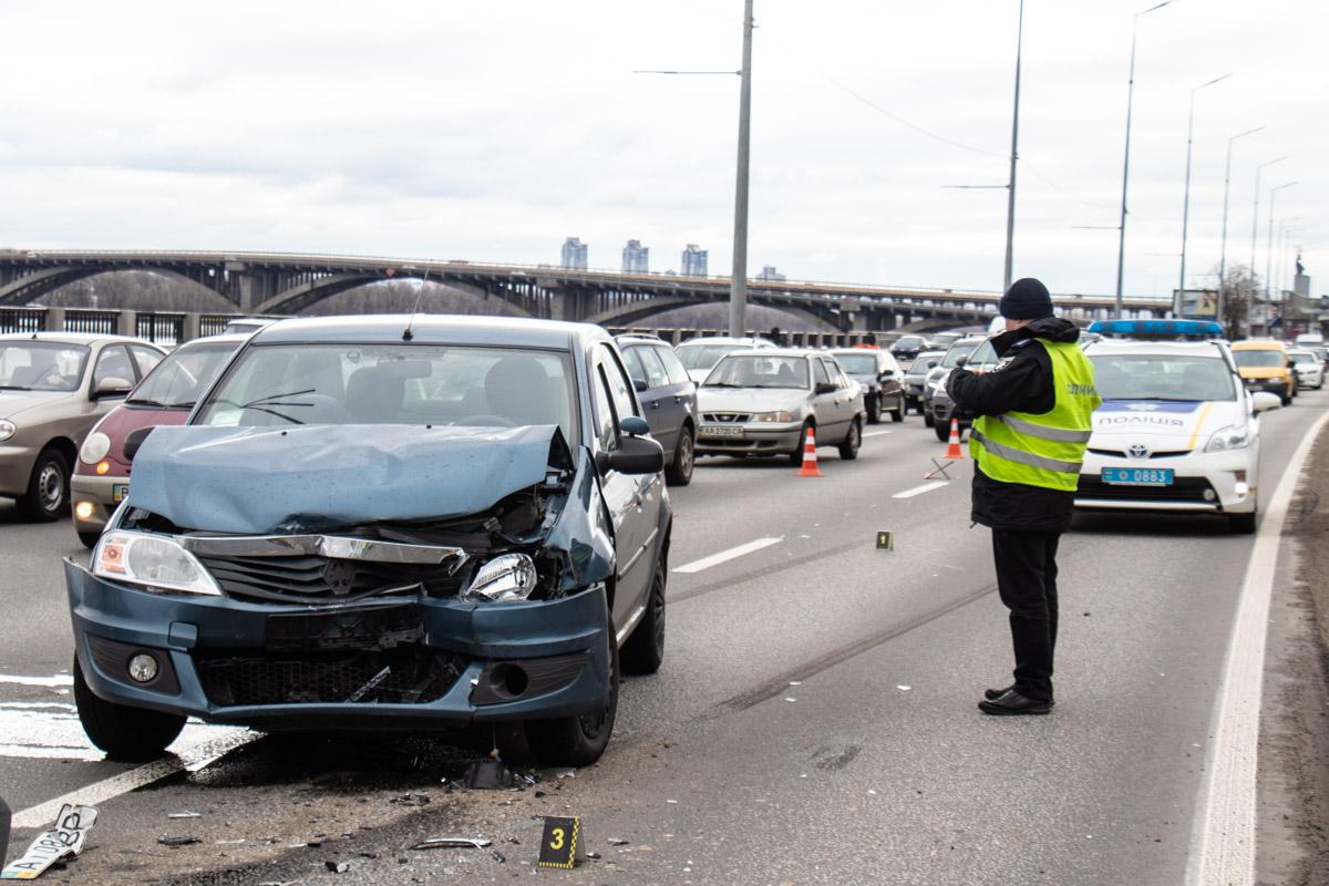 Девушку - пассажира из Ford госпитализировали в больницу