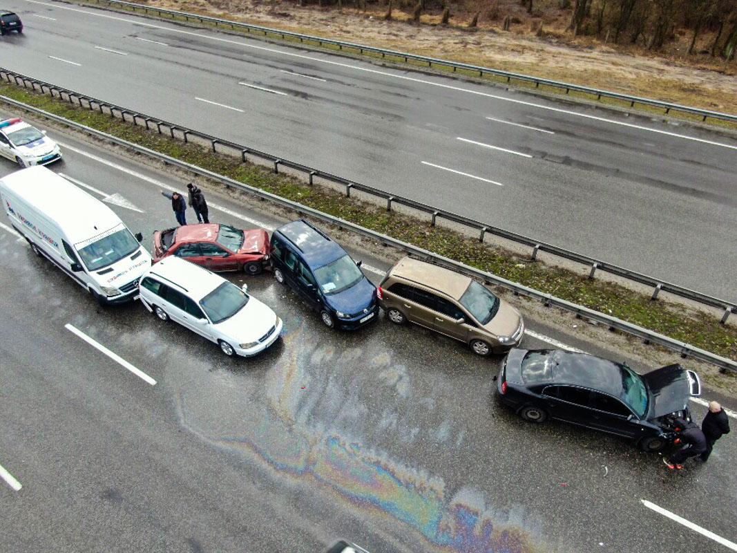 Все автомобили двигались в сторону Киева