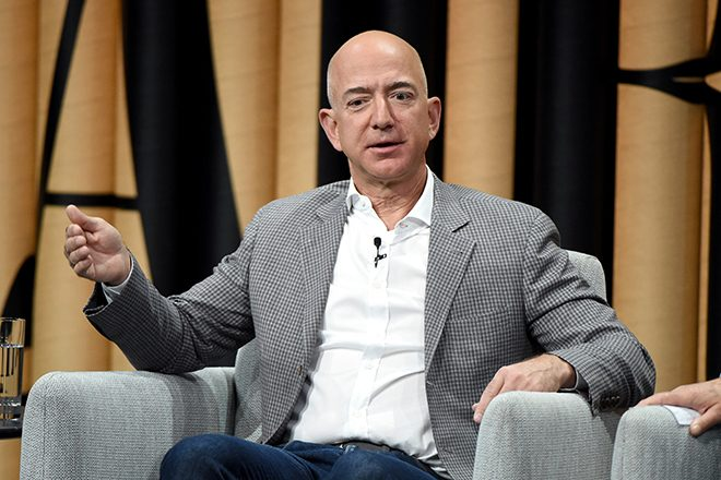 Самым богатым человеком мира по версии списка World's Billionaires 2019 от Forbes стал основатель компании Amazon Джефф Безос