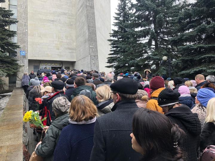 Юлию Началову похоронили на Троекуровском кладбище