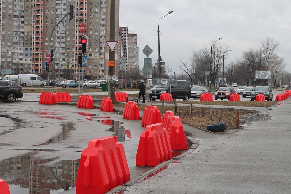 В Киеве началисьработы по реконструкции транспортной развязки на улицах Каштановая и Бальзака