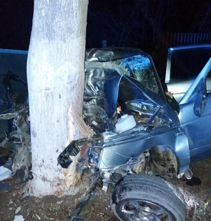 В Киевской области в страшном ДТП погибли пятеро молодых людей, большинству из них 19-20 лет
