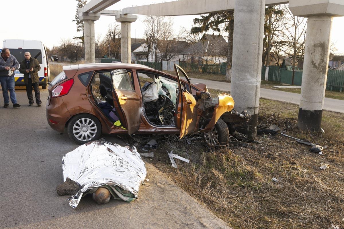 Находившийся за рулем мужчина скончался на месте от полученных травм