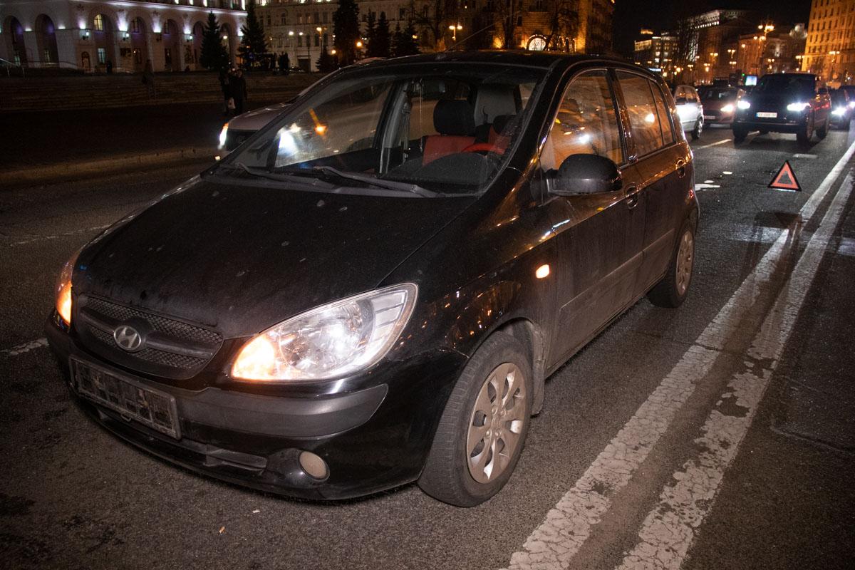 Также по инерцииCitroen зацепил и находившиеся сзади Dacia и Hyundai