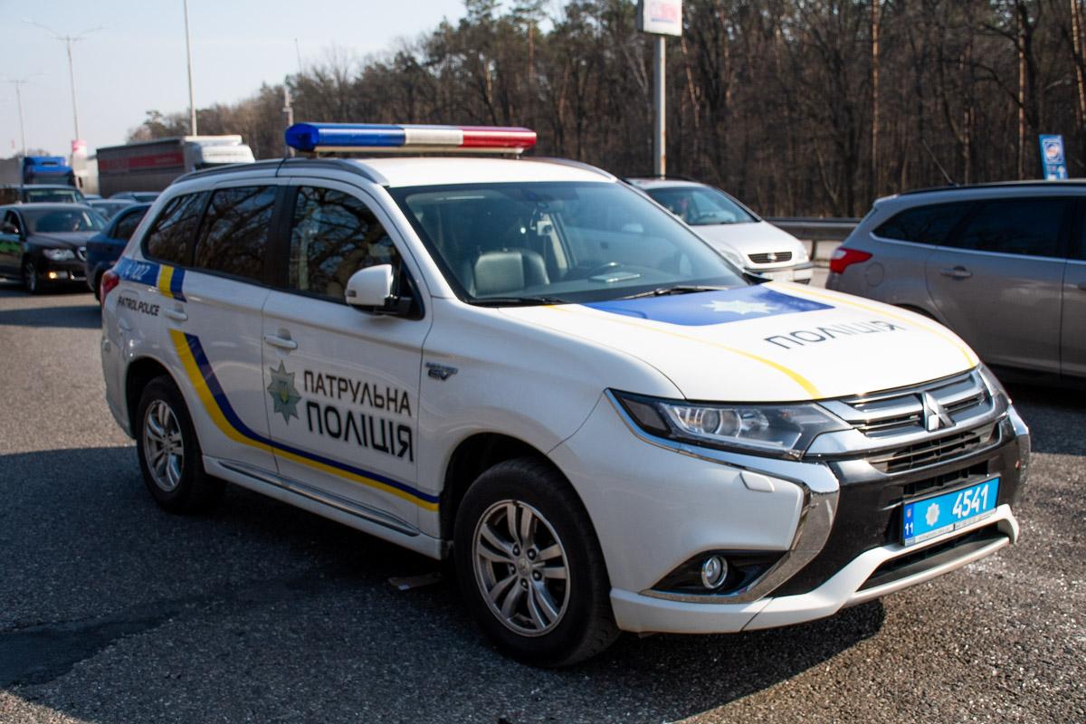 На месте работали правоохранители и медики. Детали инцидента выясняются