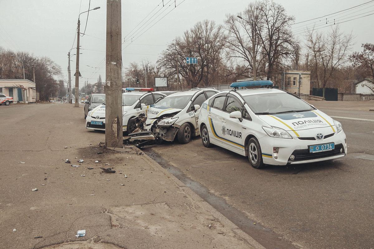 По предварительным данным водитель уснул за рулем и врезался в столб