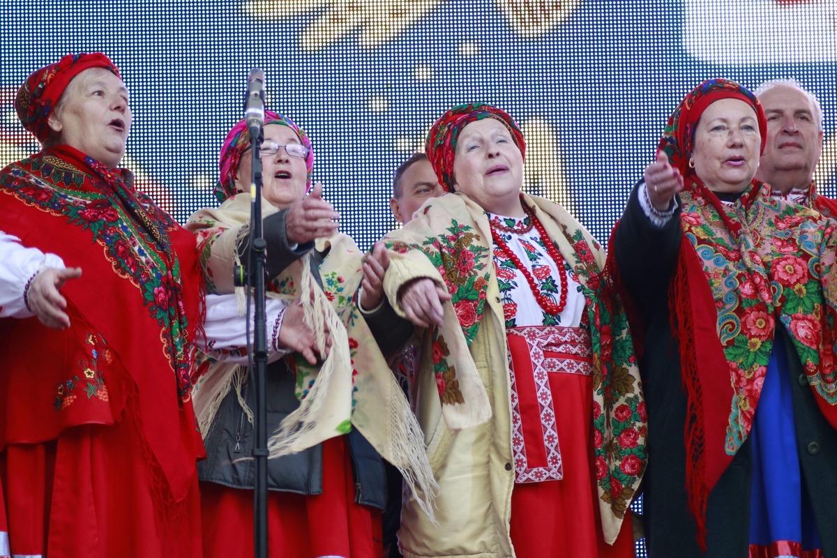 На столичном Певческом поле на Масленицу устроили традиционные народные гуляния