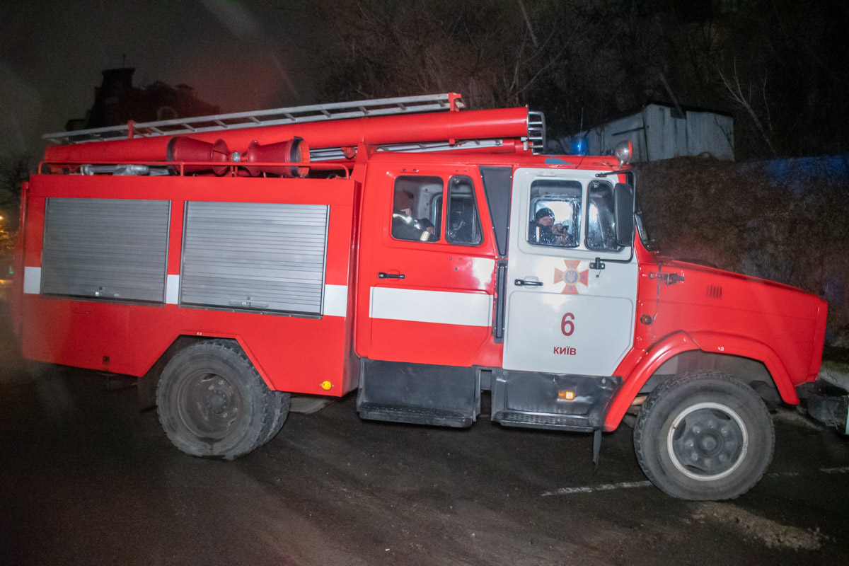 На место прибыли спасатели и патрульные