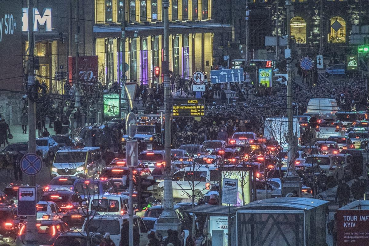 Движение в центре Киева оказался парализован на время марша