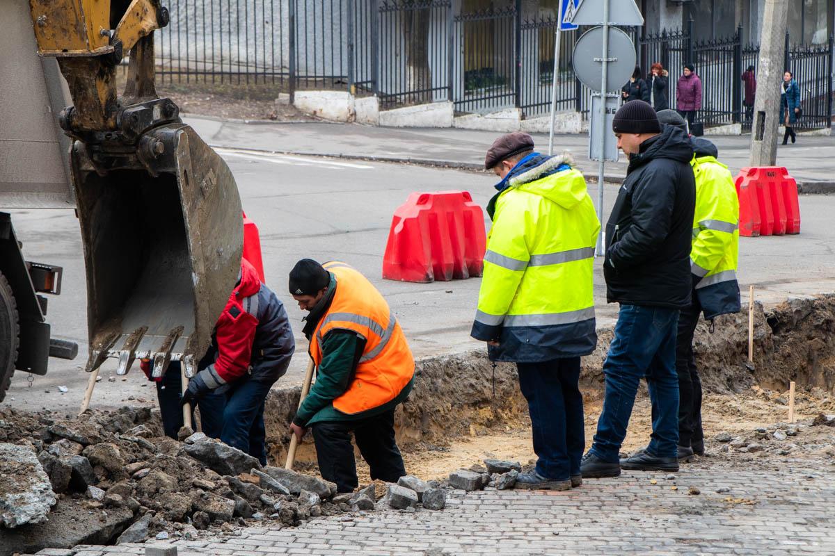 Также в ходе ремонта на улице появится новое дорожное покрытие, а фигурные элементы мощения появятся на тротуаре.