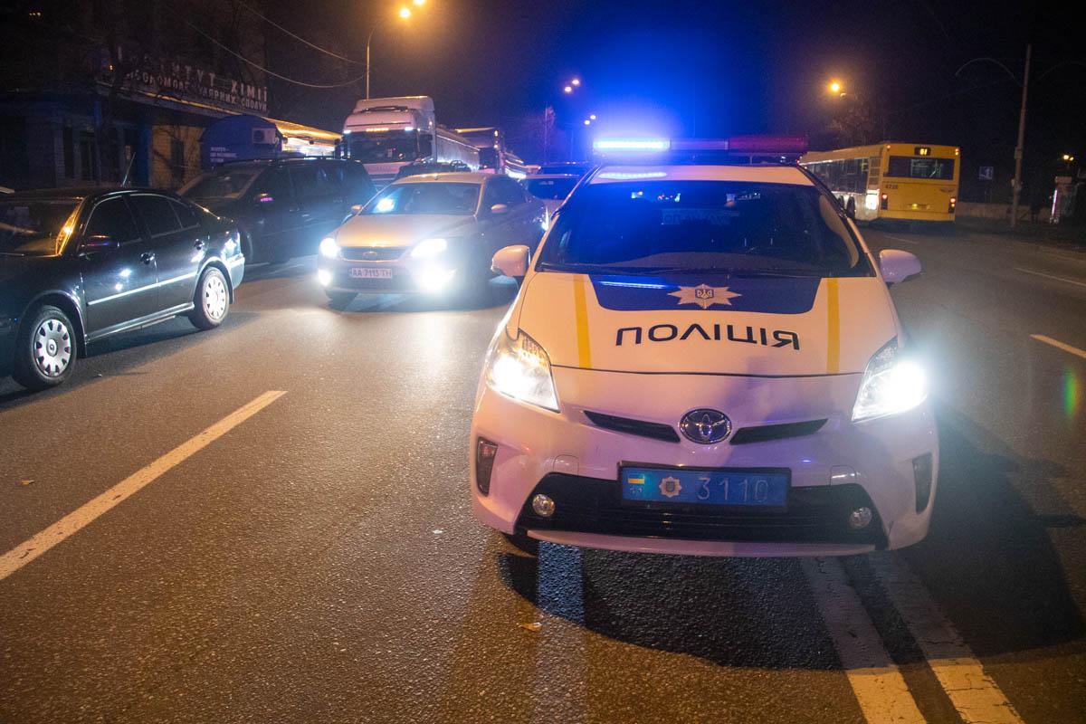 На время оформления ДТП движение по Харьковскому шоссе было затруднено