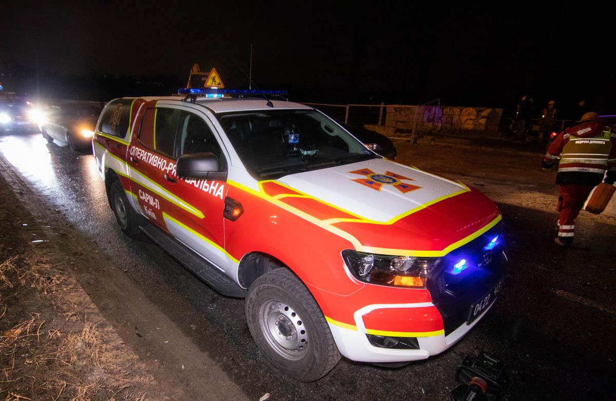 Тело водителя было зажато в машине, его доставали спасатели