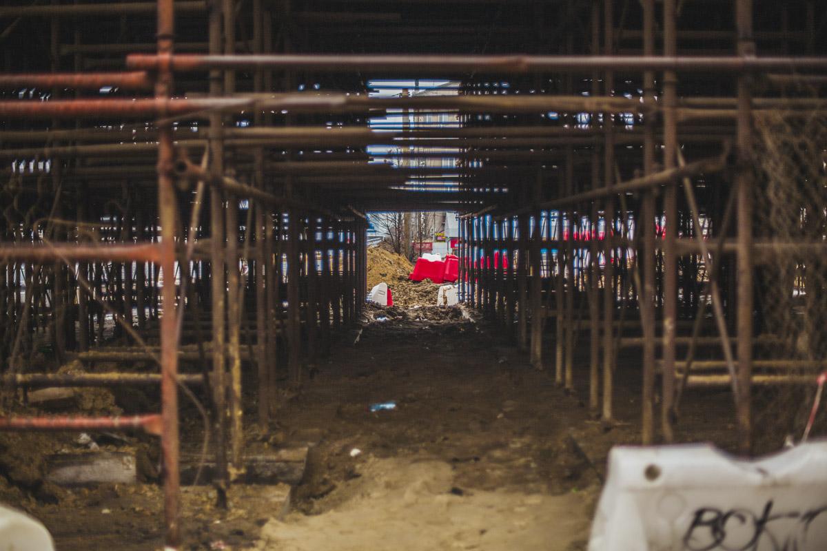 Первая очередь строительства включает в себя реконструкцию переправы и подземного перехода