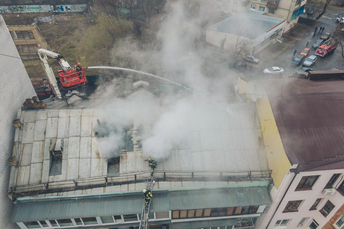 Вызов о пожаре поступил около 12:25
