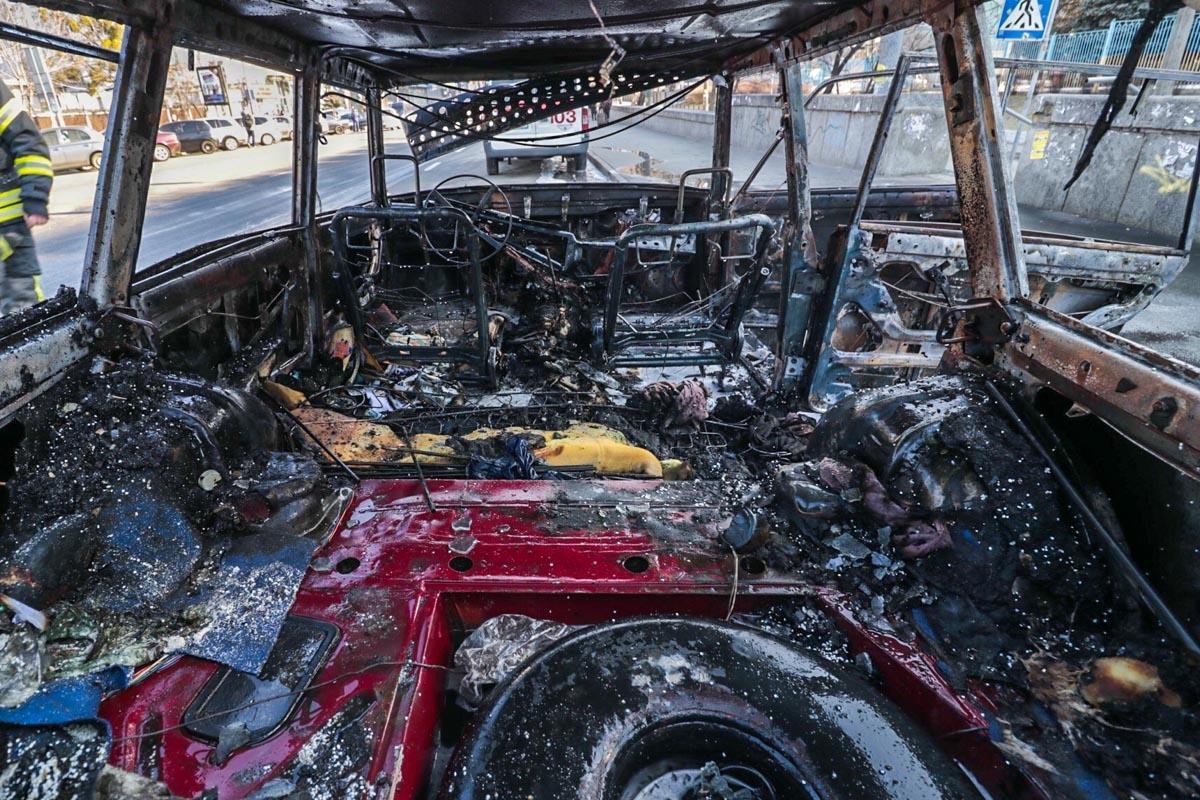 Автомобиль вспыхнул за считанные секунды