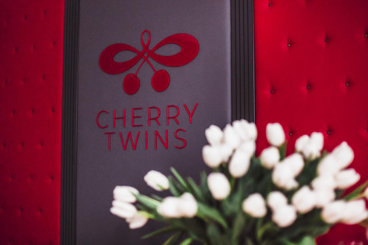 В столице уже целый год работает первый в Украине отель для ролевых игр Cherry Twins