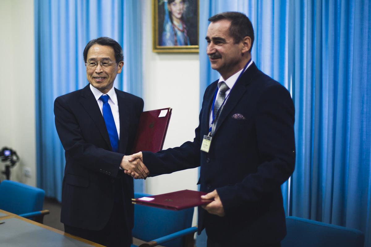 Со времен установления дипломатических отношений Япония предоставила Украине помощь на сумму 3,1 миллиардов долларов