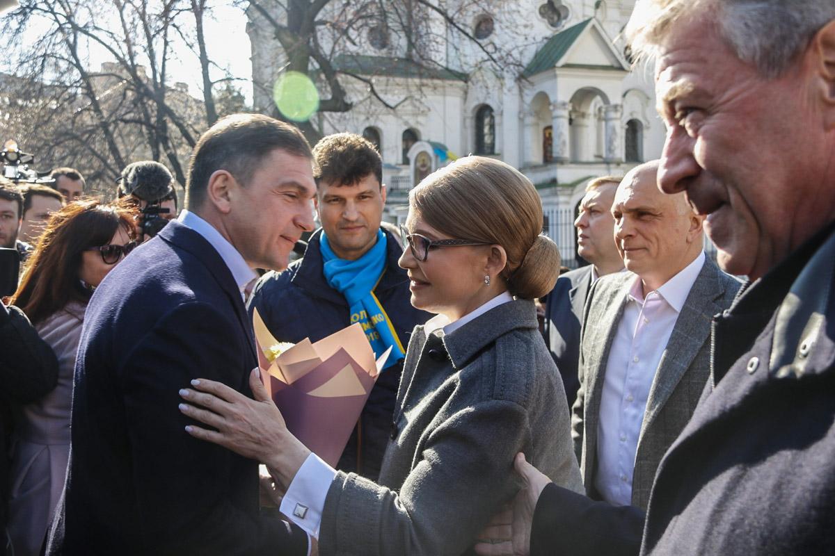 """Когда Юлия Владимировна проголосовала, то сказала, что """"с переводом времени мы сегодня делаем и шаг вперед, 5 лет коррупции позади и нас ждет светлое будущее"""""""