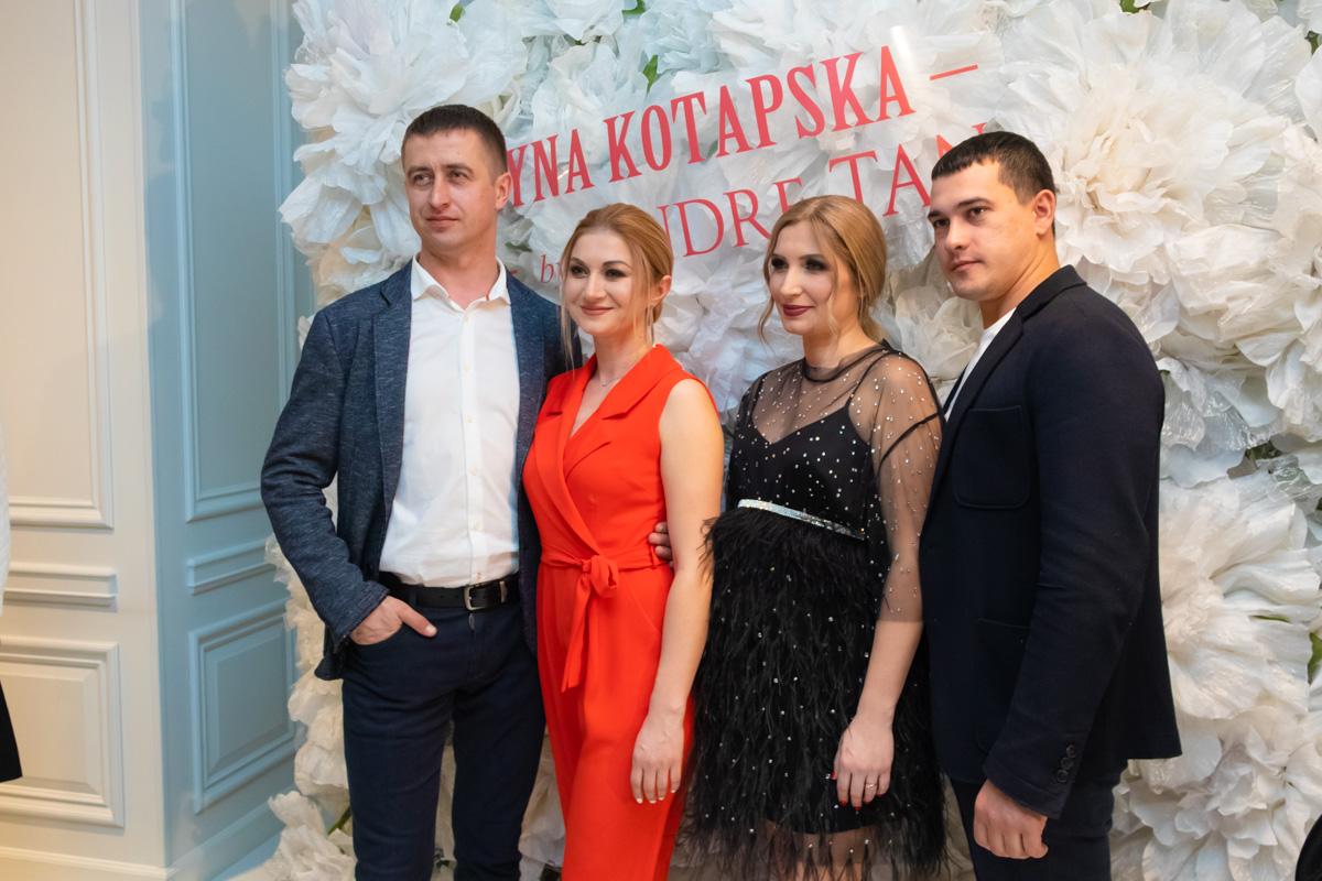 Украинские звезды шоу-бизнеса пришли посмотреть на новую коллекцию дизайнера.