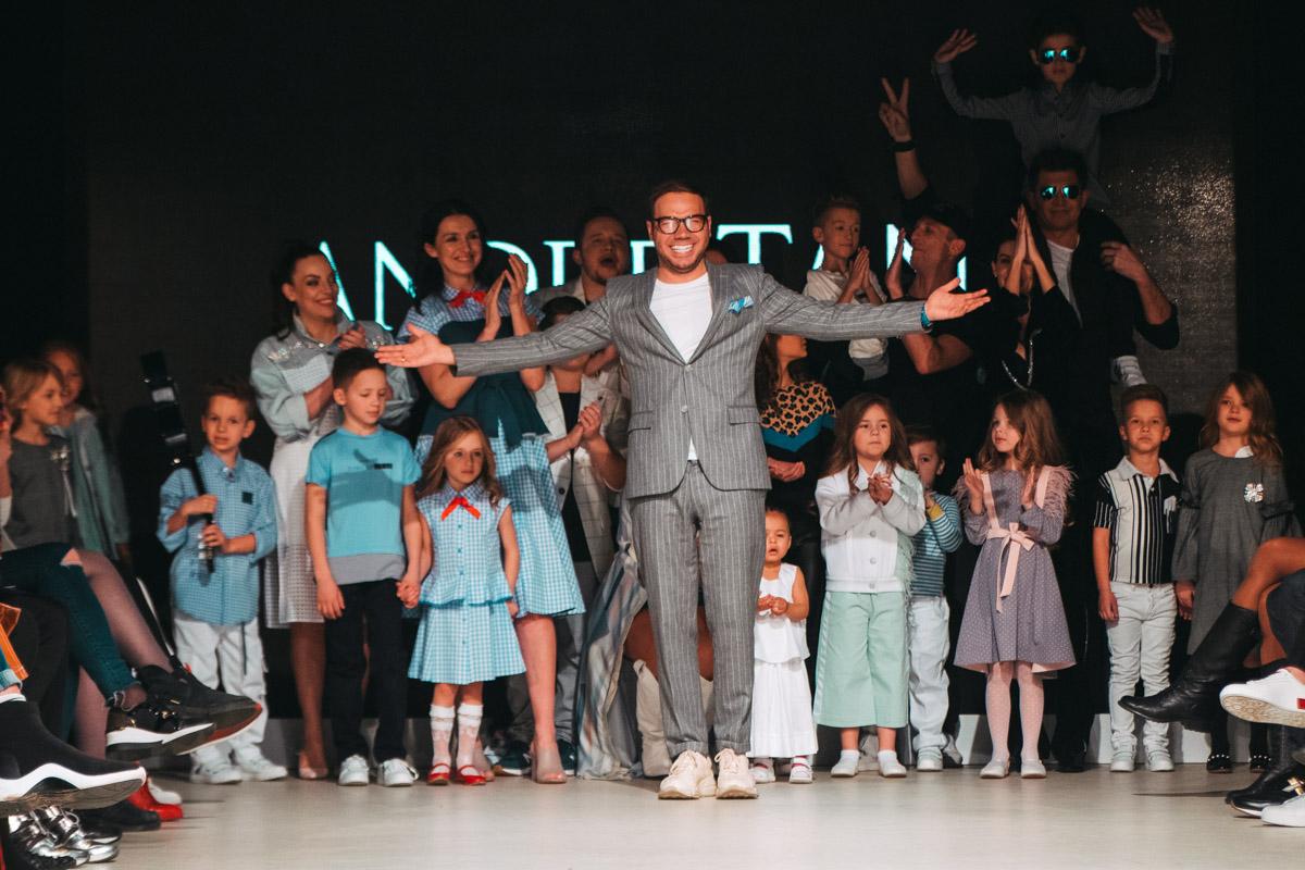 Андре Тан открыл детскую неделю моды JFW яркой и стильной коллекцией весна/лето 2019