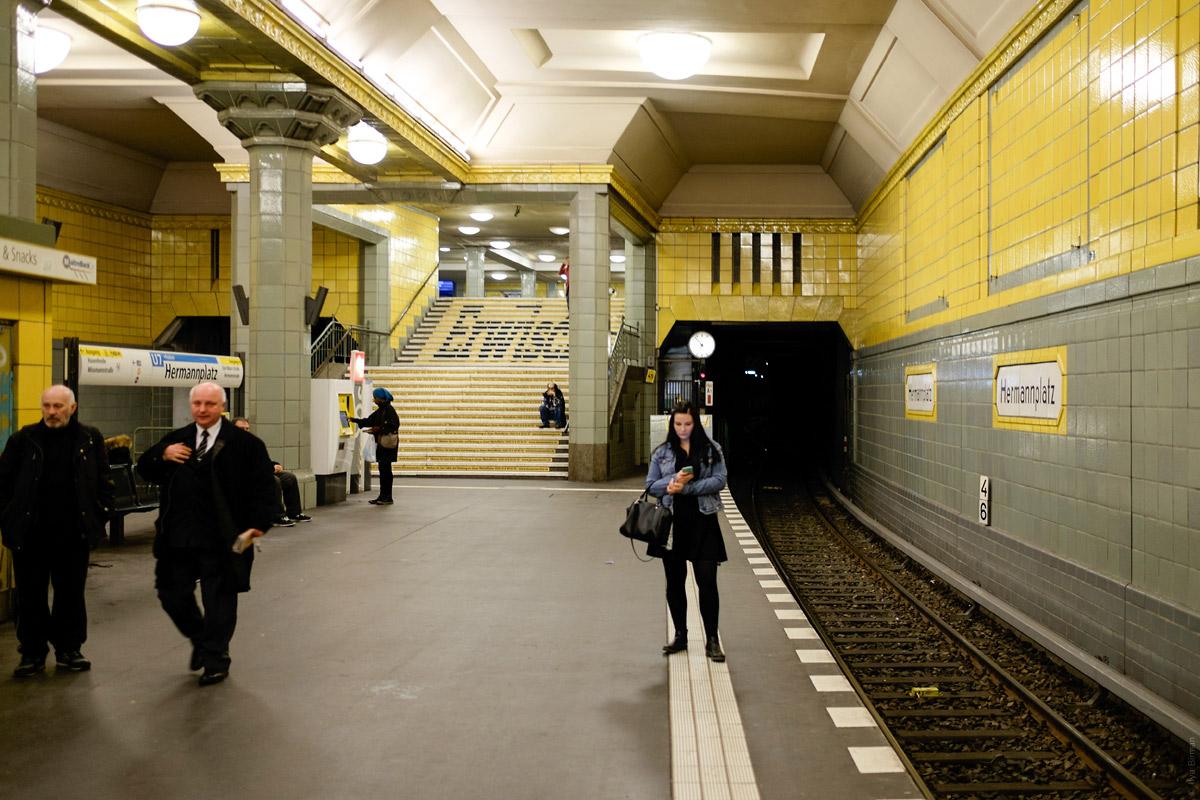В метро Берлина пройдет необычная акция в поддержку работающих женщин