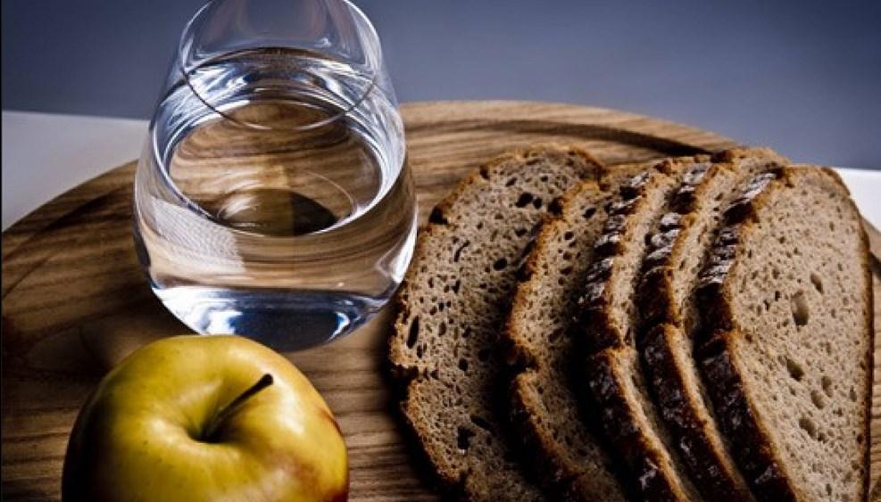 Не стоит слишком сильно ограничивать себя в еде, особенно если это может пойти во вред организму
