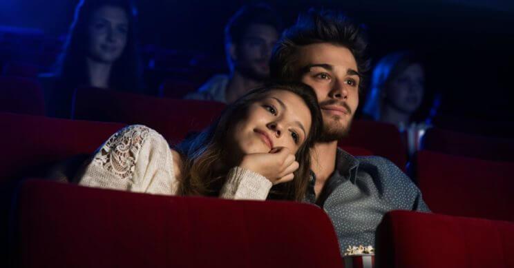 Пригласите в кино девушку, которая давно нравится
