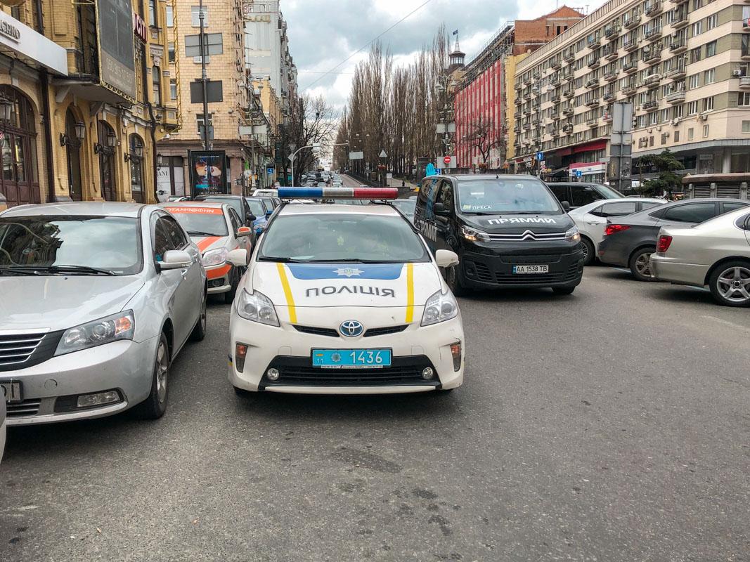 В центре Киева произошла драка между пассажиром и таксистом. По словам полиции, оба участника ссоры напишут друг на друга обвинительное заявление