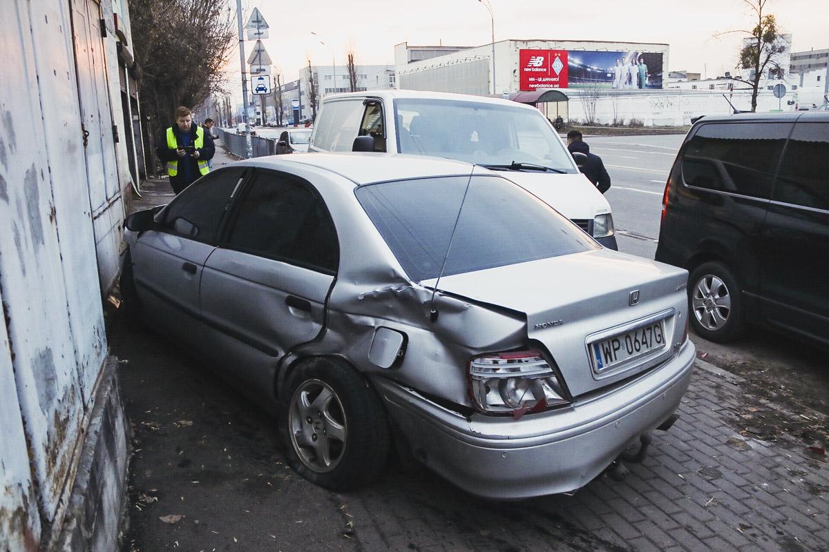 В Киеве на пересечении улиц Здолбуновской и Сортировочной произошло ДТП
