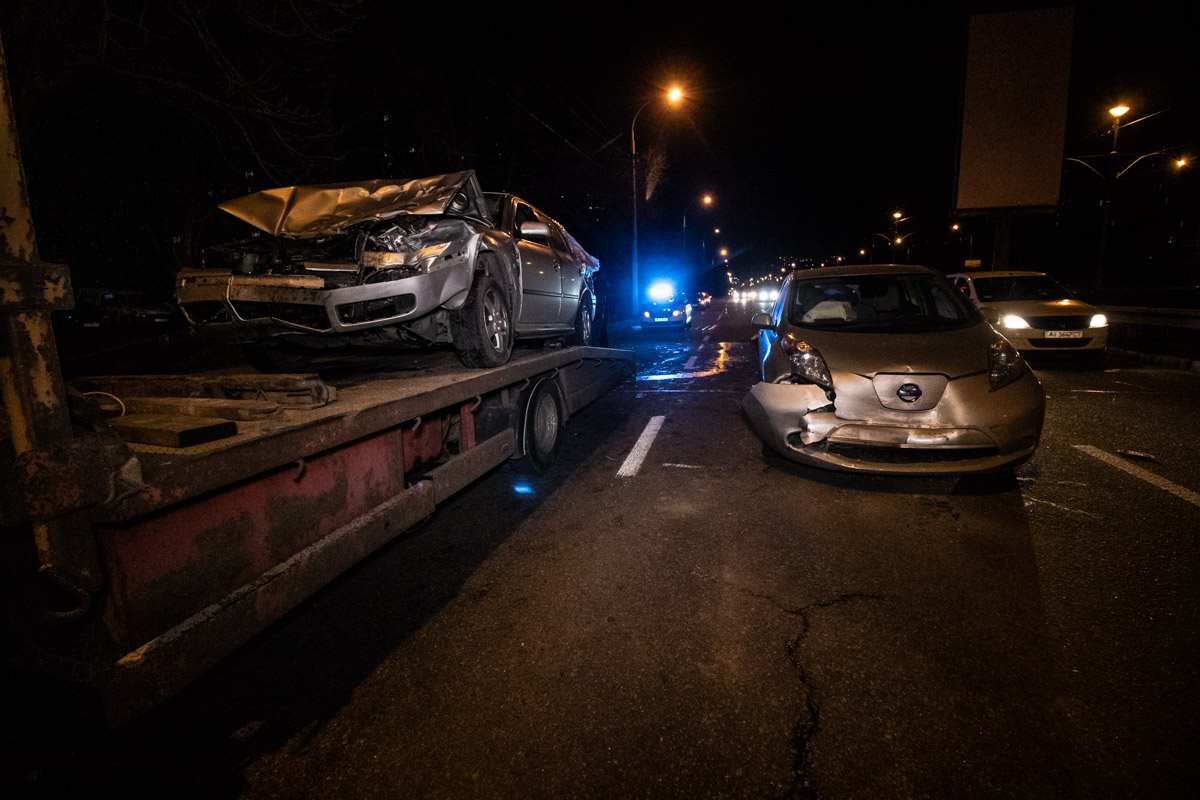 На проспекте Леся Курбаса столкнулось 4 автомобиля