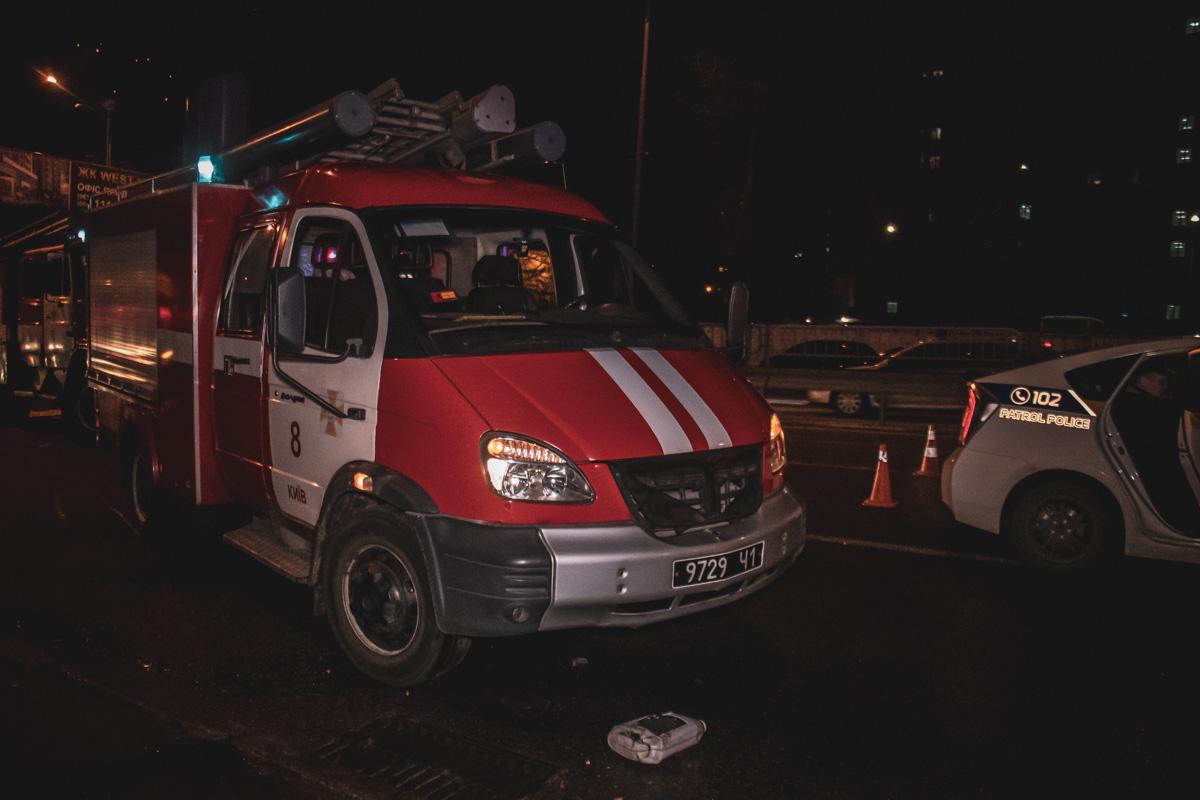 В Киеве на проспекте Валерия Лобановского, 119 произошла серьезная авария с участием шести автомобилей