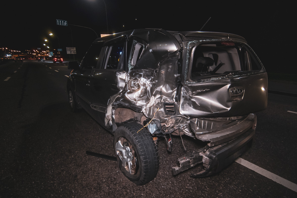 Kia в свою очередь ударила Volkswagen, который ехал спереди