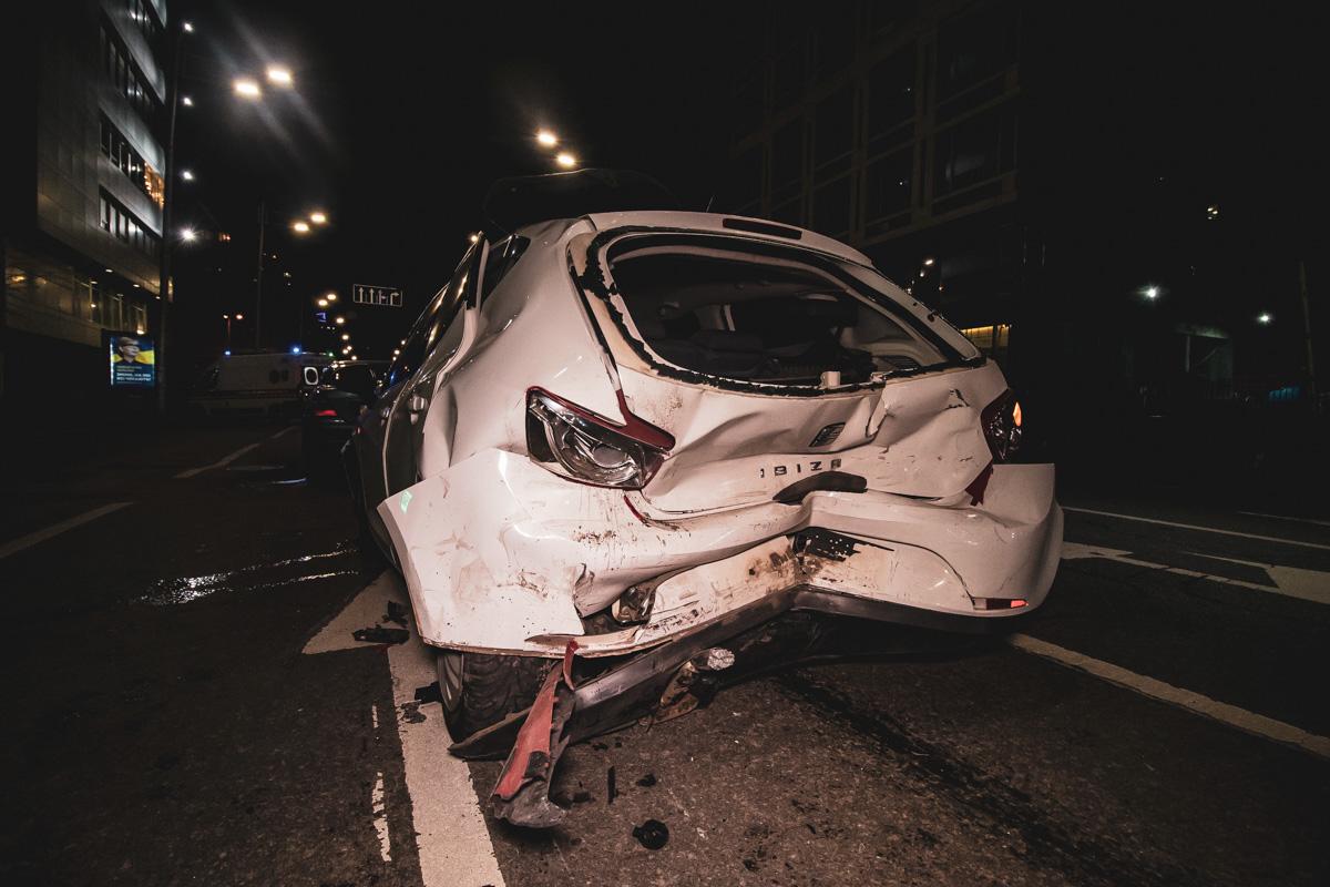 В Киеве на улице Жилянской произошло ДТП с участием трех авто