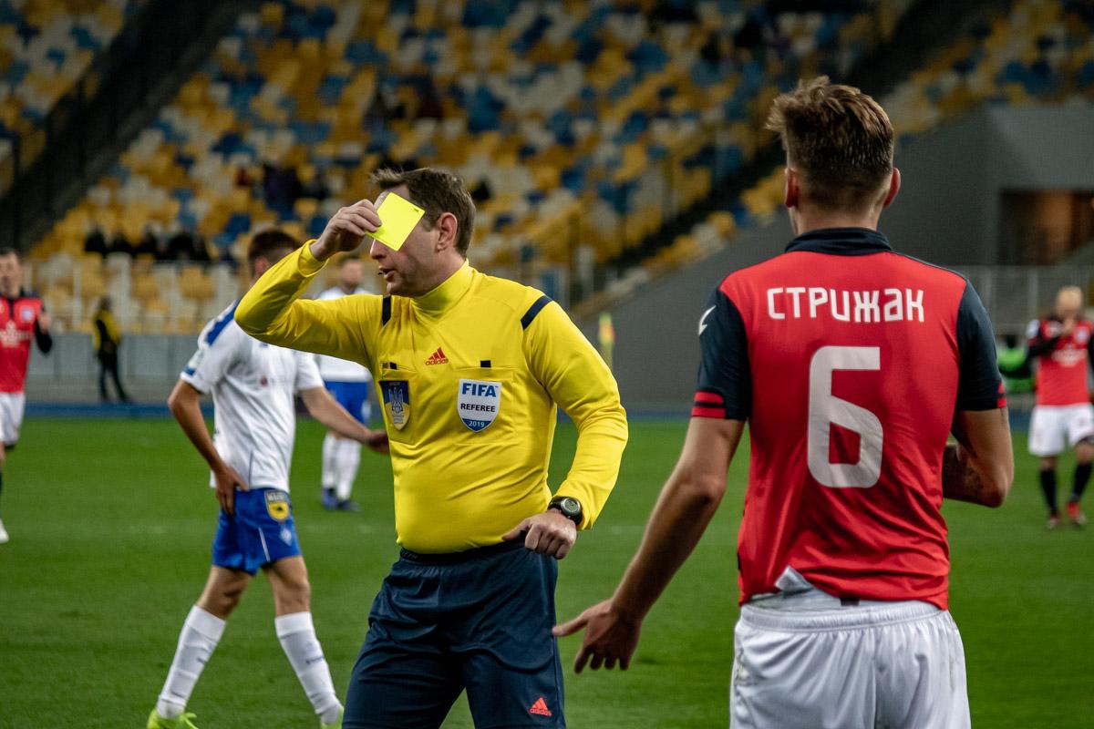 """Оборонцам """"Арсенала-Киев"""" иногда оставалось лишь грубо фолить, чтобы избежать очередного гола в свои ворота"""