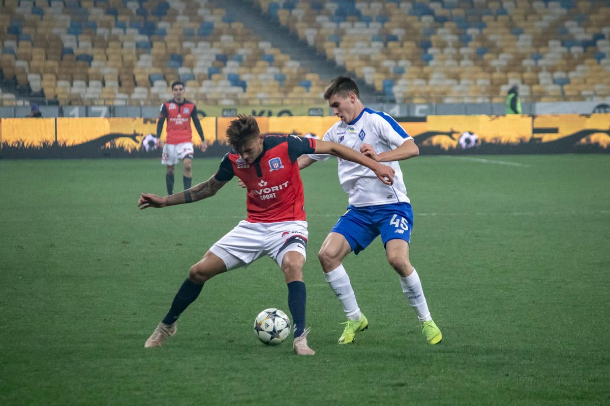 Молодой Евгений Смирный уже пятый раз выходит на поле в качестве игрока основы